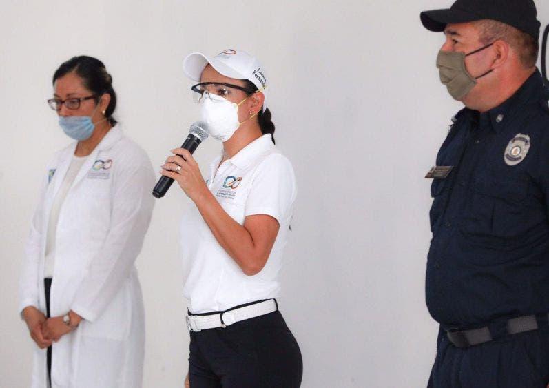 La alcaldesa hace un reconocimiento a los elementos de la corporación por su labor, para salvaguardar la integridad de la población en la emergencia sanitaria por el Covid-19