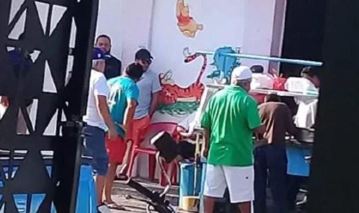 Mujer es agredida por pedir que se respete la sana distancia en puestos de comida de Telchac
