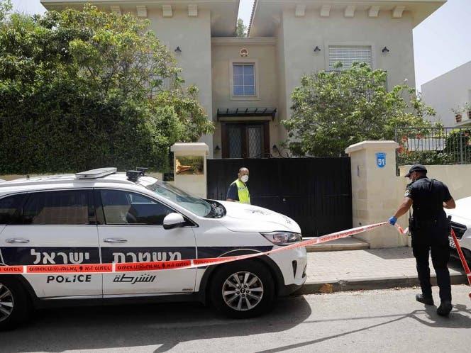 El diplomático asiático fue encontrado sin vida en su residencia por causas desconocidas; la Policía investiga el caso.
