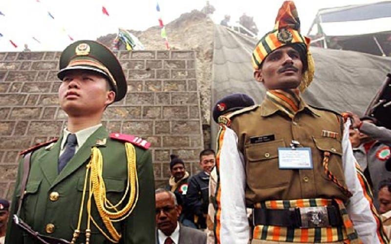 Tensión en la frontera entre China e India, despliegan tropa y tanques