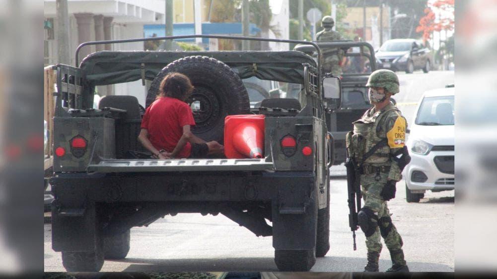 Cateo de Sedena arroja equipo táctico, drogas y un detenido