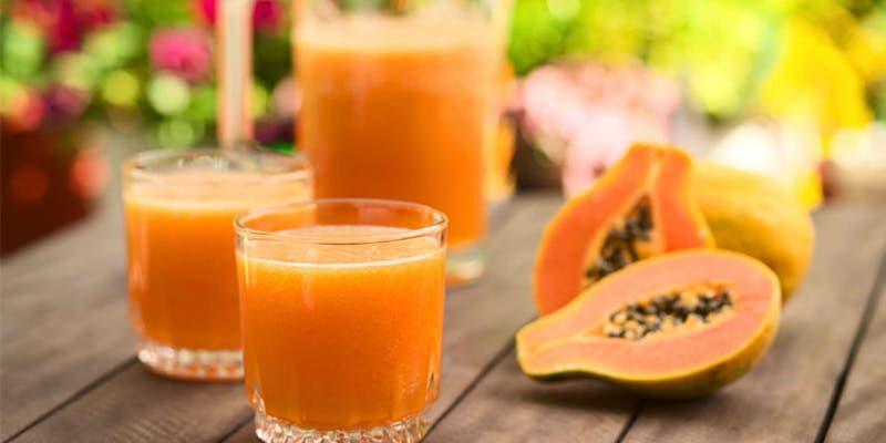 Jugo de papaya para acabar con el estreñimiento