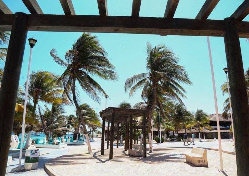 Reactivación del turismo fortalecerá la recuperación económica: Laura Fernandez, el turismo es un rubro esencial para entidades como Quintana Roo