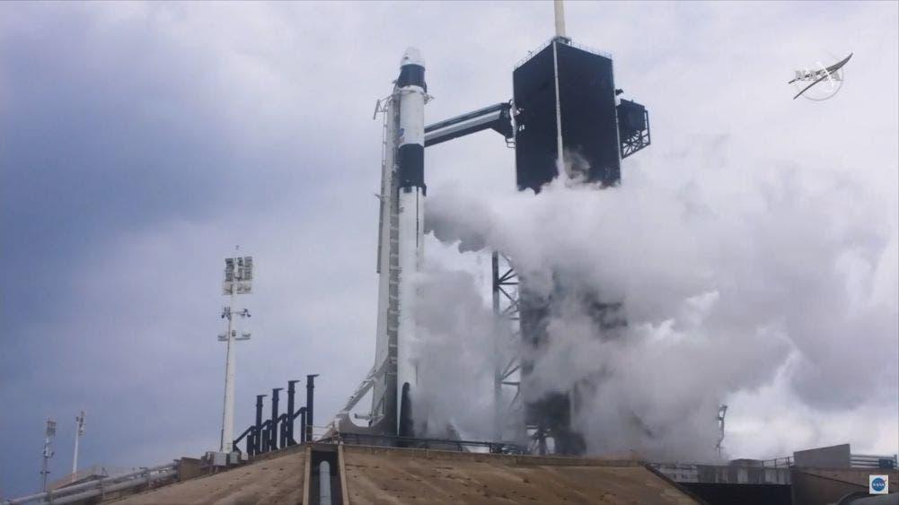 Aborta NASA y SpaceX lanzamiento de cohete
