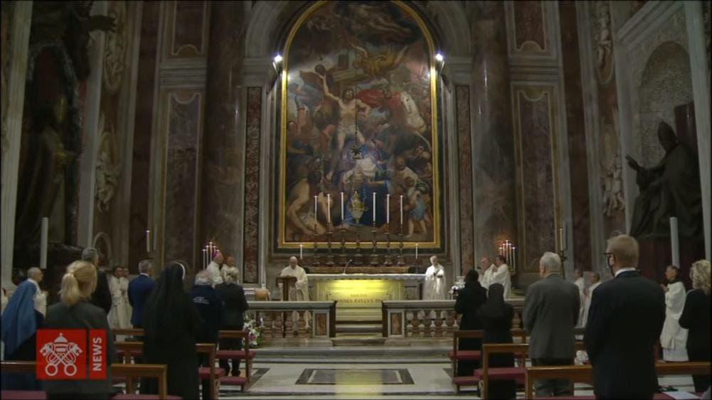 Reabre Papa Francisco la Basílica de San Pedro
