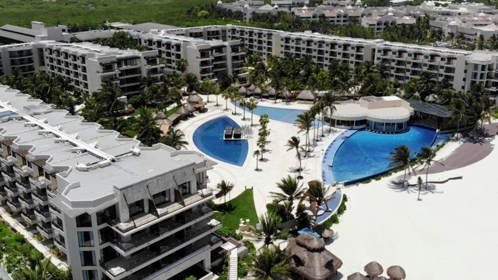 Empresas turísticas de Puerto Morelos buscan certificación sanitaria: Laura Fernández