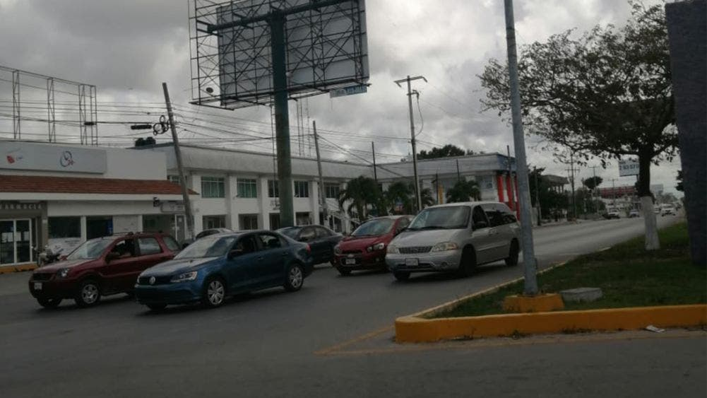 Reabren vialidades de Cancún cerradas por contingencia