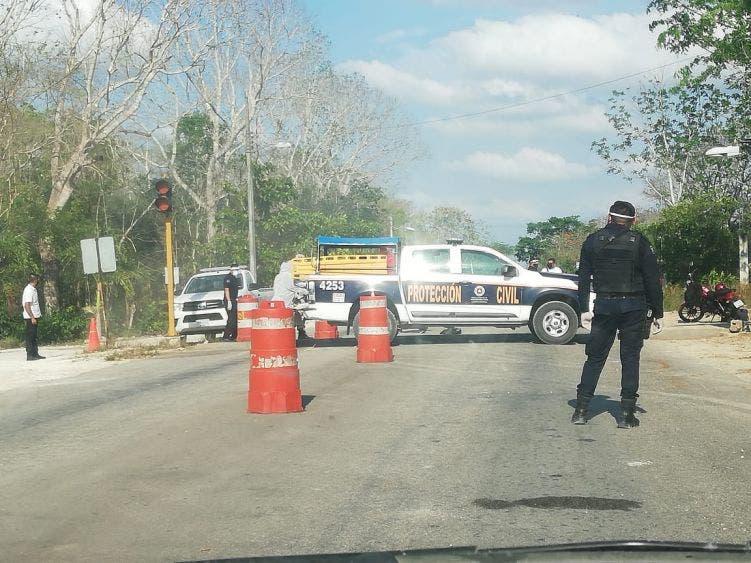 Cuentan policías de Lázaro Cárdenas con implementos contra Covid-19.