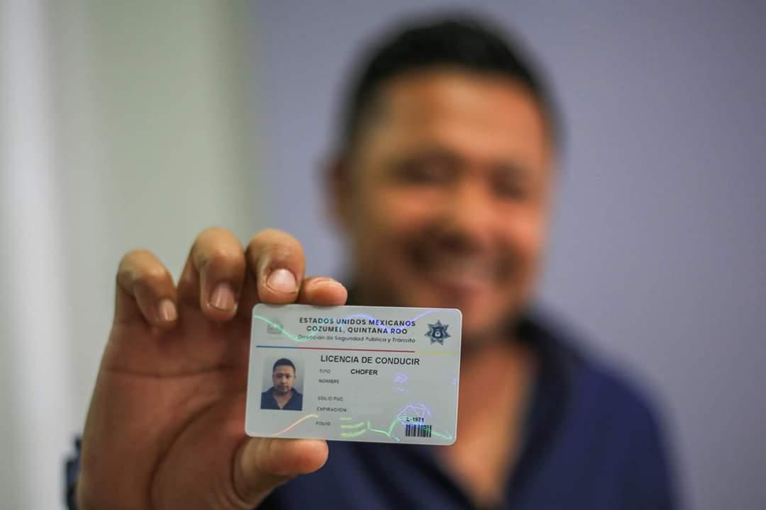 En Cozumel reanudan trámite de licencias de conducir con 50% de descuento.