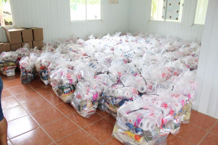 Reciben apoyo alimentario becarios de la casa comunitaria indígena 'Itsanmaj'; la entrega se llevó a cabo en la Casa Comunitaria Indígena.