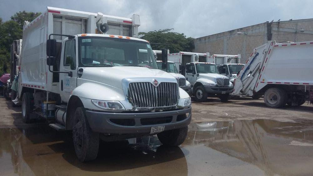 Por falta de pago desactivan camiones de basura en OPB.