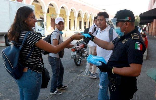 Valladolid: Policías intensifican las medidas sanitarias contra el Covid-19