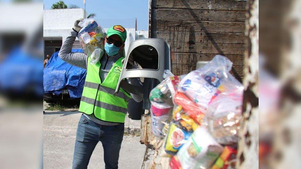 Anuncia Laura Fernández nueva entrega de despensas en Puerto Morelos