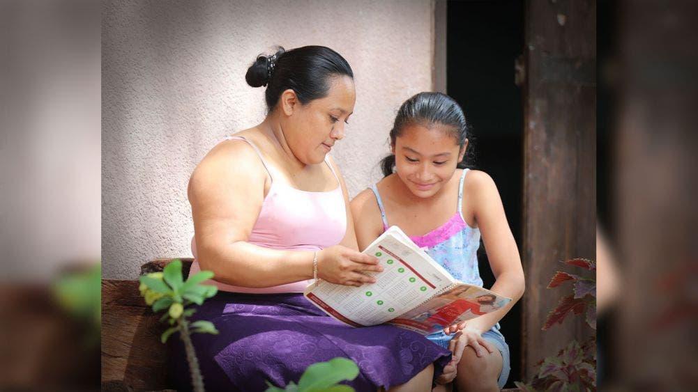 Reconoce Laura Fernández compromiso de maestros ante nueva realidad educativa