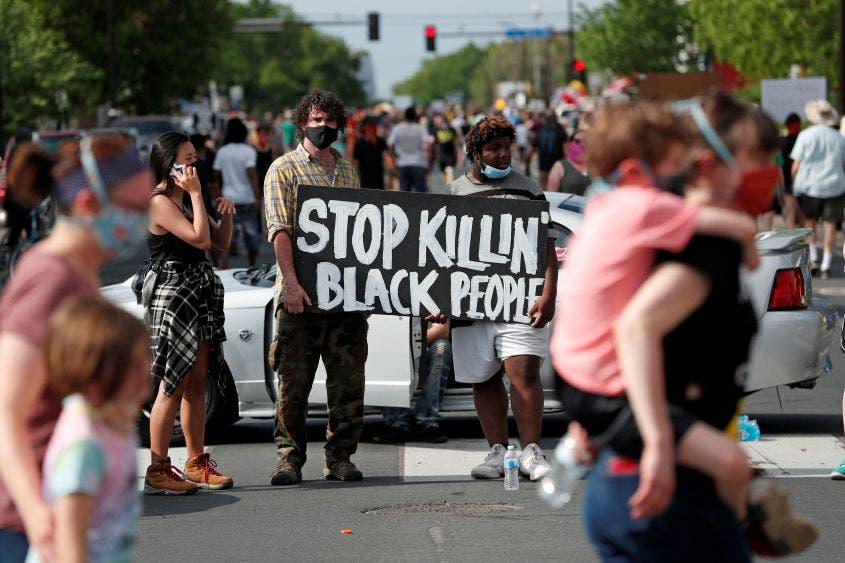 afroamericano asfixiado por policías