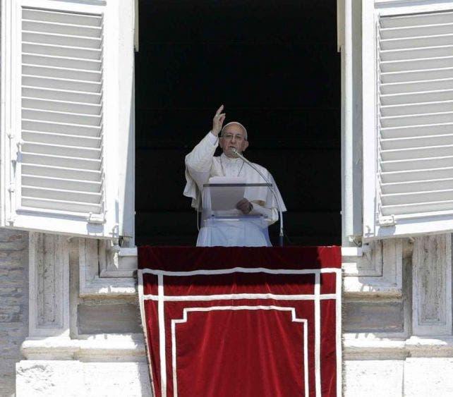 El Papa Francisco dona tres respiradores artificiales a México.