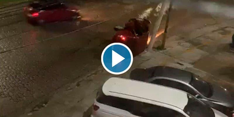 Video: Huyen jóvenes ebrios tras chocar contra un poste en la Sm 27.