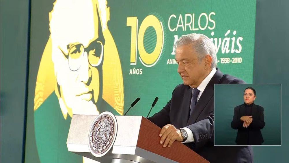 Recuerda AMLO a un escritor irrepetible, Carlos Monsiváis