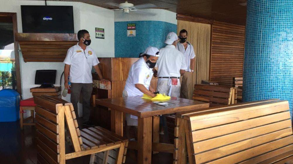 Reabre el 40 por ciento de restaurantes de Cancún