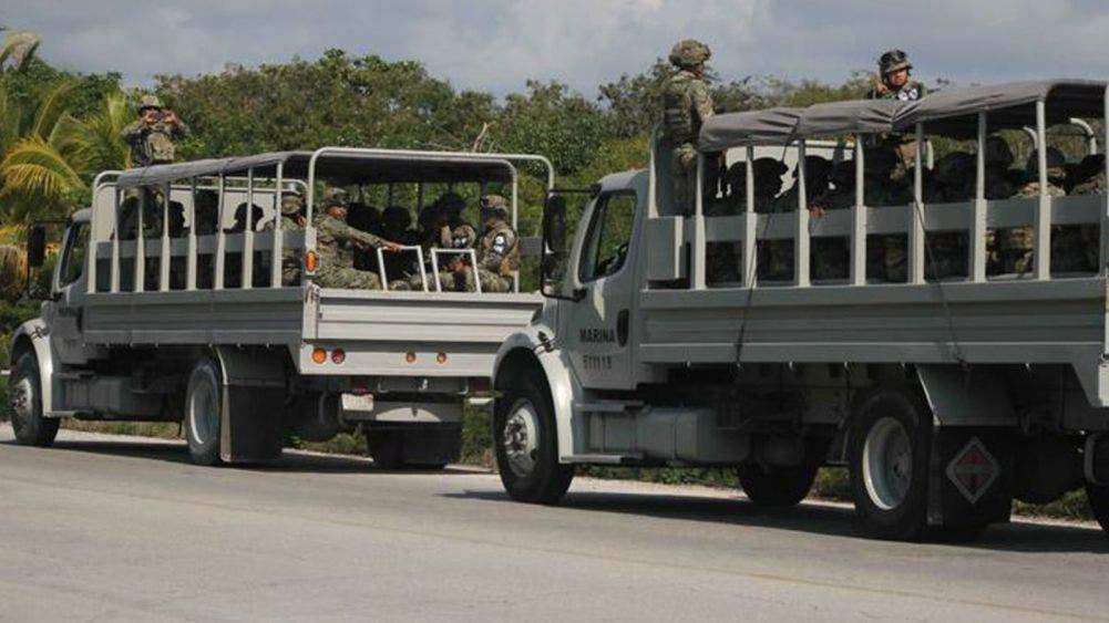 Militares sitian Bodega en Carlos A. Madrazo