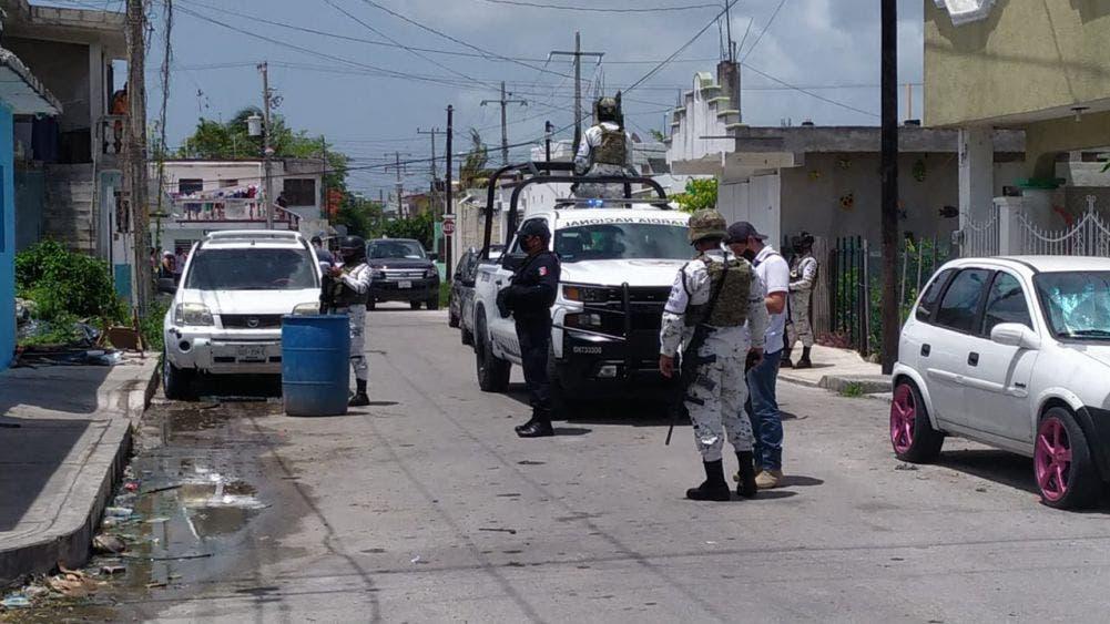 Reportan disparos y detienen a tres personas con droga en Cozumel