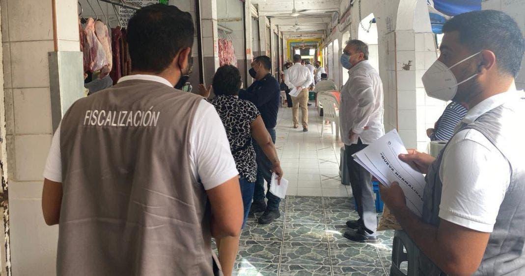 Supervisan autoridades de BJ medidas sanitarias en Mercado 23.