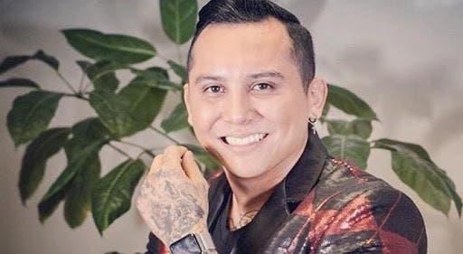 Edwin Luna perrea en tacones y minifalda y es el hazmerreír en redes