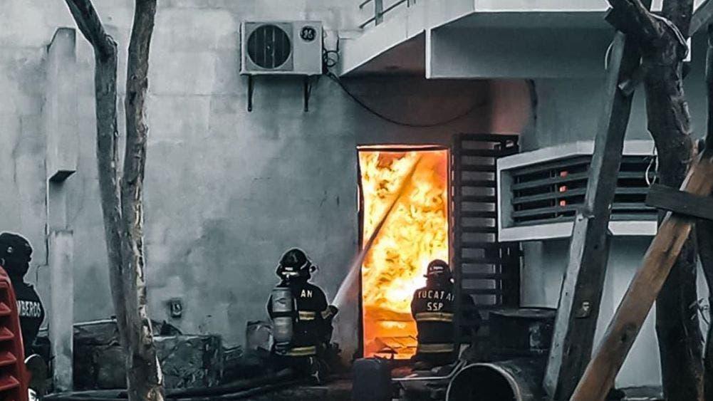Consume incendio fábrica de veladoras