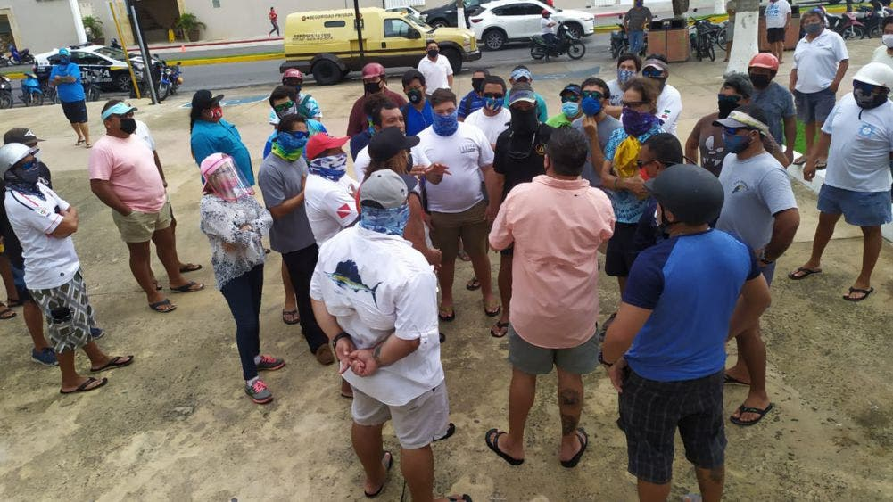 Solicitan pescadores y lancheros apoyo a autoridades de Cozumel