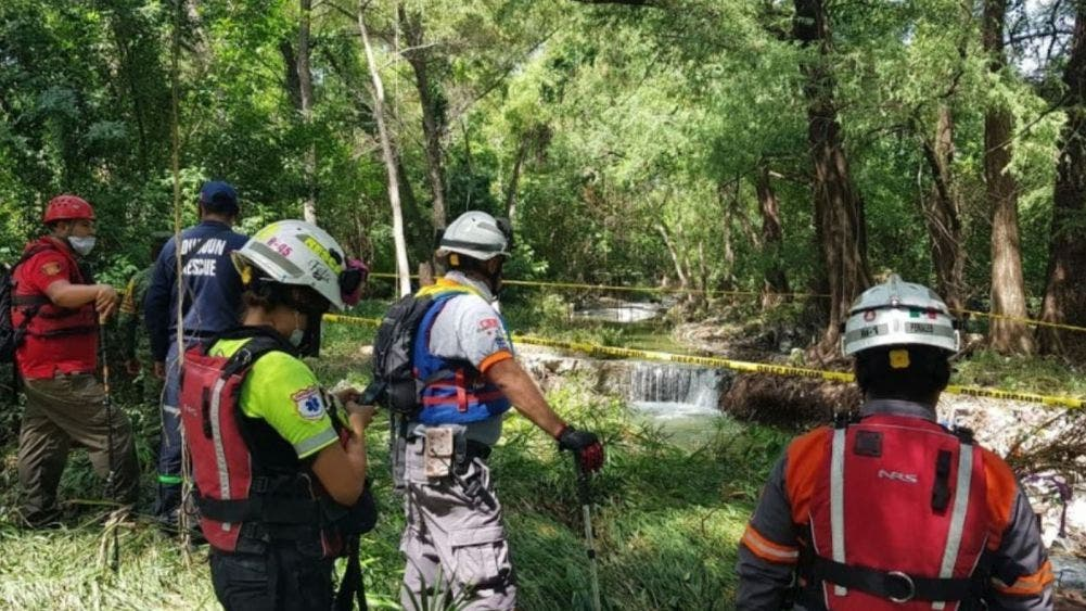 Mueren cuatro mariachis luego de ser arrastrados por un río
