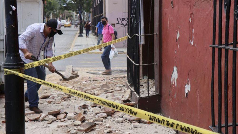 Aumentan a cinco los muertos por el sismo en Oaxaca