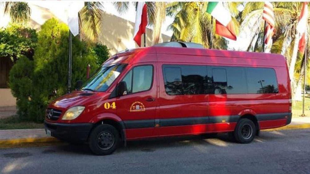 Taxistas del FUTV reactivan ruta Chetumal-Playa Del Carmen