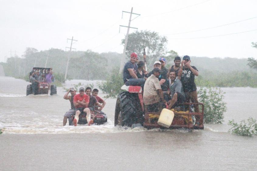 Afectadas por las lluvias mil 140 familias en Quintana Roo.