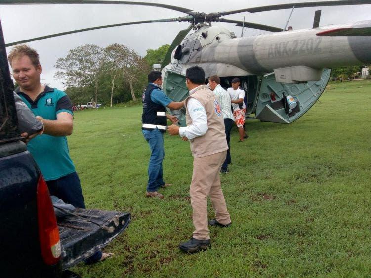 Afectadas por las lluvias mil 140 familias en Quintana Roo; autoridades de los tres Órdenes de Gobierno trabajan para atender a damnificados.