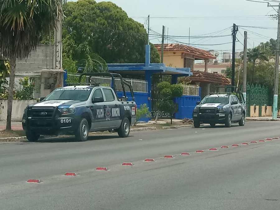 """Nuevo escándalo de exdirector de Tránsito de Chetumal; """"Checo"""" Terrazas realiza disparos en aparente estado de ebriedad."""