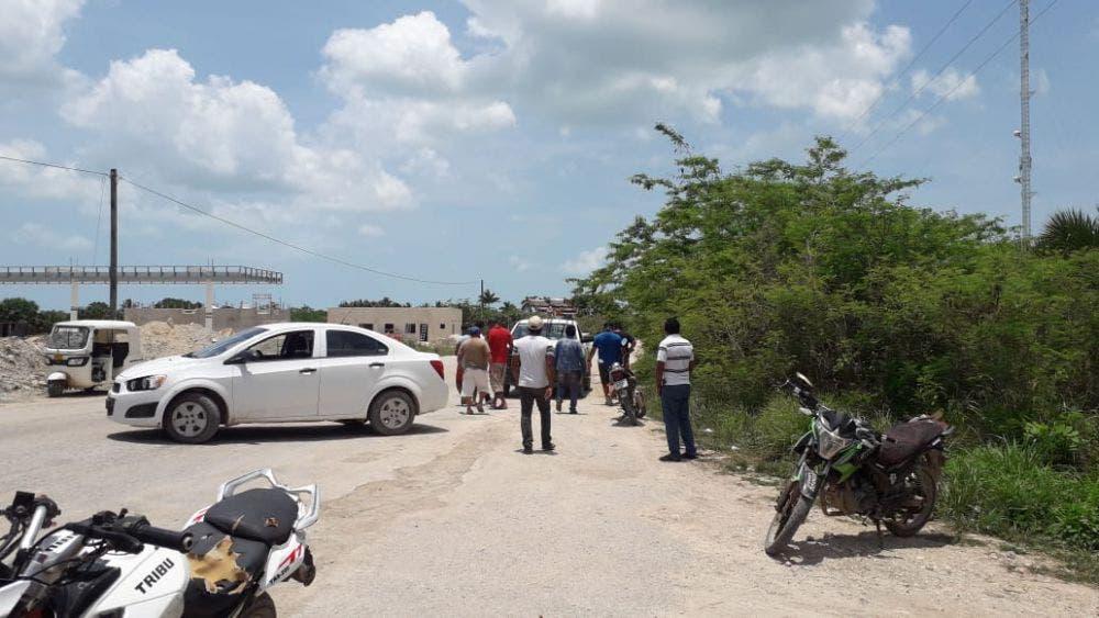 Continúa el estira y afloja entre habitantes de Chiquilá y la CFE; no se ha llegado ningún acuerdo por cobros abusivos en el consumo.