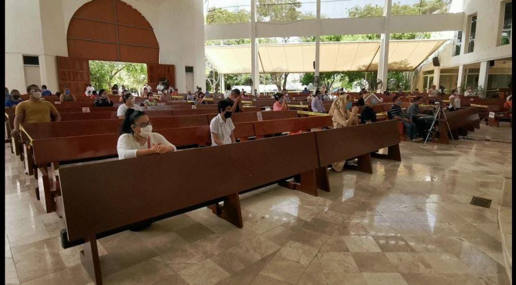 Siete de cada 10 iglesias reanudaron actividades con feligreses.