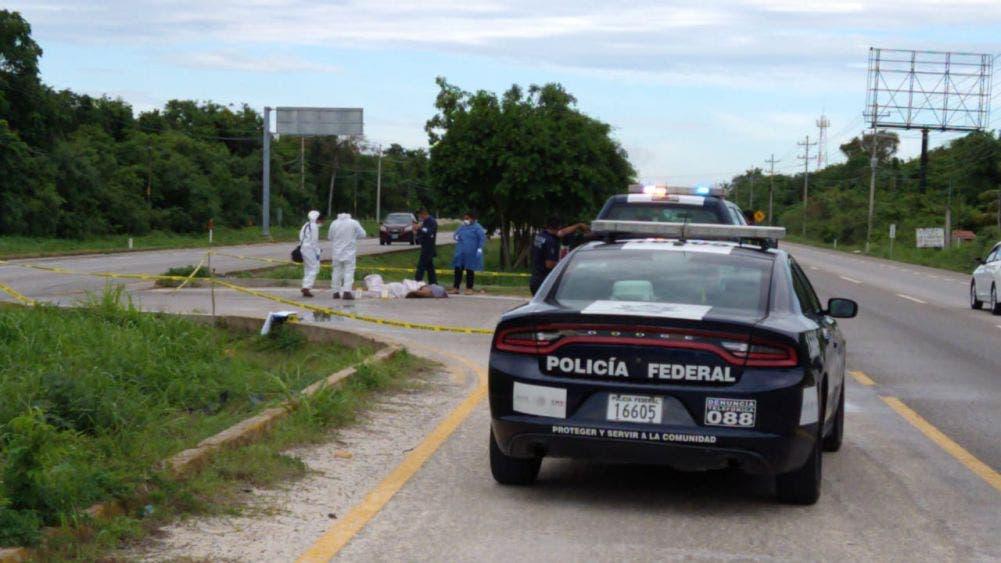 Hallan ejecutado y decapitado en el bulevar Playa-Puerto Morelos.