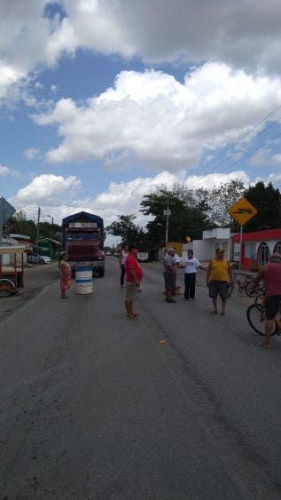 CFE no cumplió acuerdos con familias en Ignacio Zaragoza; amenazan pobladores con tomar medidas drásticas contra la empresa.