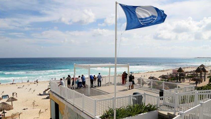 Ratifican 10 Playas de Cancún con el distintivo 'Blue Flag'.