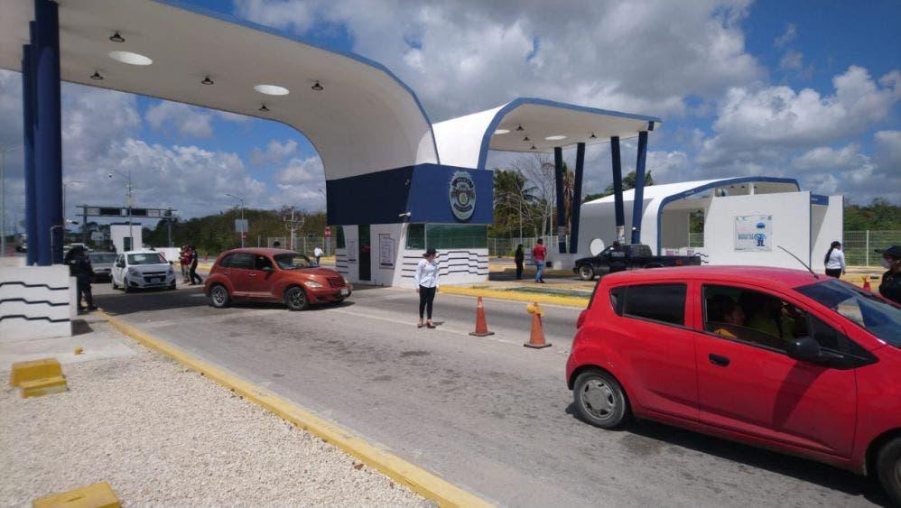 Encuentran marihuana en combi de Chetumal, con todo y pasajeros la trasladaron a la Fiscalía Antinarcóticos
