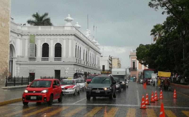 Seguirán las fuertes lluvias en Yucatán; piden tomar precauciones