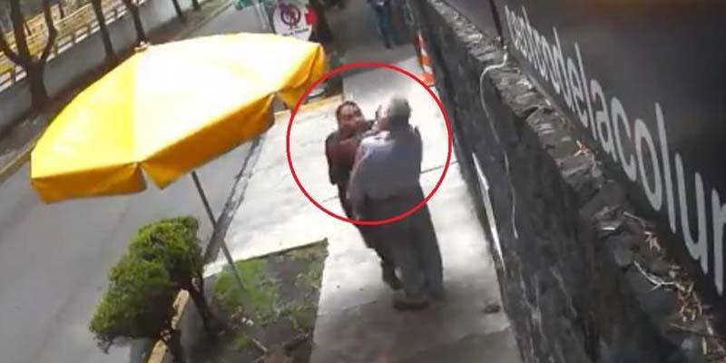 Video: Hombre golpea a mujer y los usuarios lo llaman #LordBanqueta