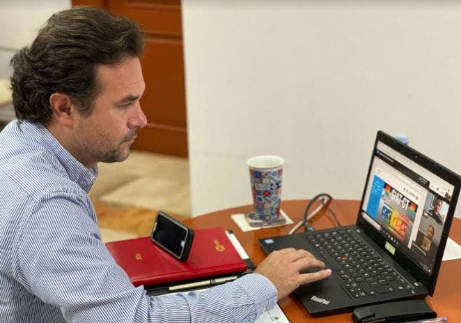 La conclusión de la Jornada de Sana Distancia ha generado mucha desinformación; la gente de Cozumel tiene que entender que el riesgo de contagio de Covid-19 es latente y no podemos abrir totalmente la interacción social, afirma Pedro Joaquín Delbouis