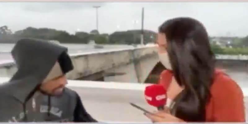 Asaltan a periodista con cuchillo mientras transmitía en vivo