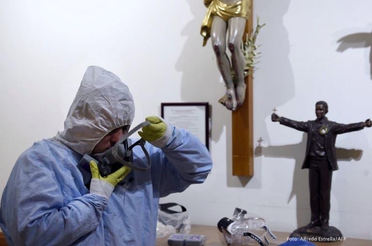 Sacerdotes pese a contingencia, continúan visitando a enfermos con Covid