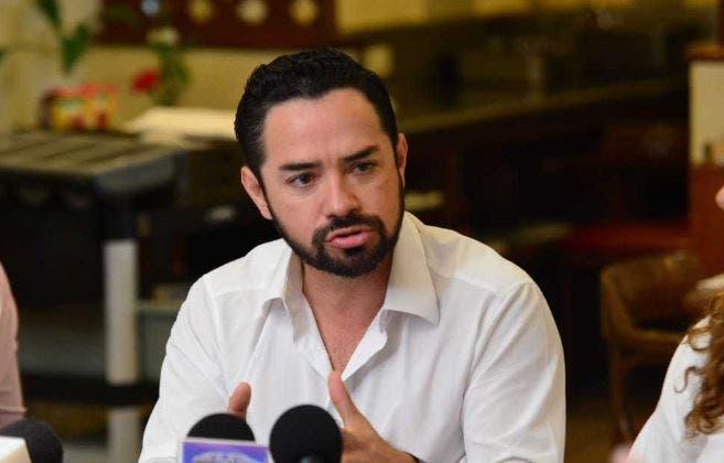 El diputado, José Luis Toledo, criticó la propuesta de la Presidenta Laura Beristaín de convertir a Playa del Carmen en Zona de Tolerancia
