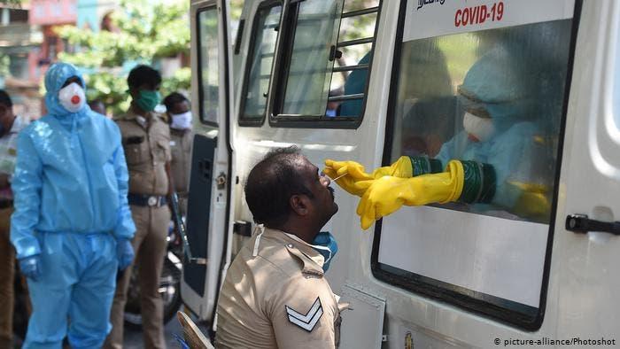 India volverá al confinamiento por propagación acelerada de Covid-19