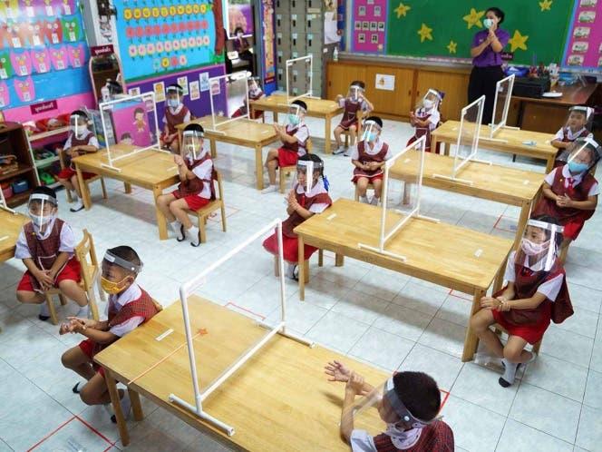 Un reto reabrir escuelas; Covid-19 pone en jaque a la ciencia y experiencia de países.