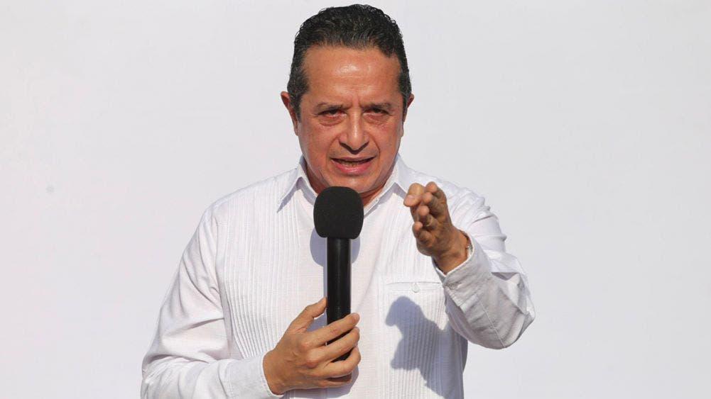 En Quintana Roo, nadie se quedará sin recibir educación académica: Carlos Joaquín
